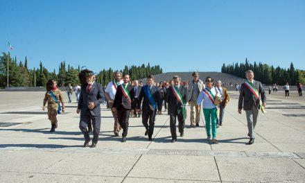 CENTENARIO DELLA PRIMA GUERRA MONDIALE: DUECENTOQUINDICI MEDAGLIE PER I CADUTI ALBINESI  Ritirate le onorificenze presso il Sacrario di Redipuglia