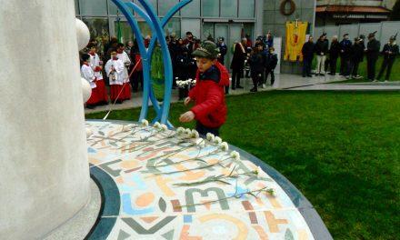 """Inaugurazione del """"Monumento per la Pace"""" durante le celebrazioni del 4 Novembre"""