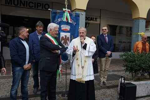Grande accoglienza per l'ingresso del nuovo parroco don Guido Sibella