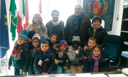 Auguri natalizi 2016, dai bambini della scuola statale dell'infanzia di Desenzano