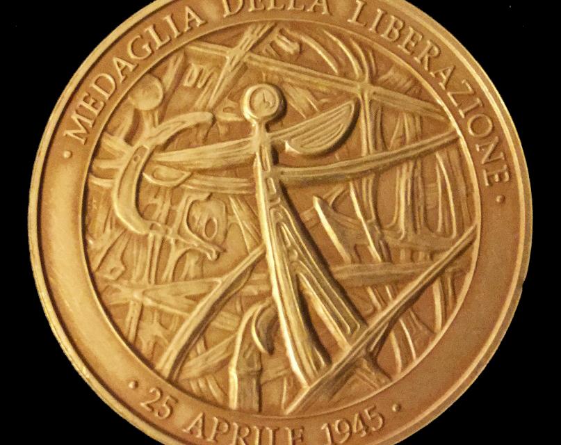 """Onore ai militari della Seconda Guerra Mondiale con la """"Medaglia della Liberazione"""""""