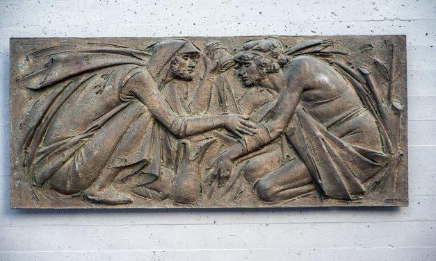 Una nuova scultura abbellisce Gazzaniga. Ma tante altre opere d'arte sono presenti da tempo in paese