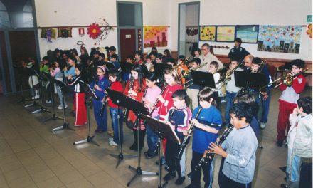 """Scuola di musica """"Mousikè"""" e scuola primaria: un progetto per avvicinare i giovani alla musica"""