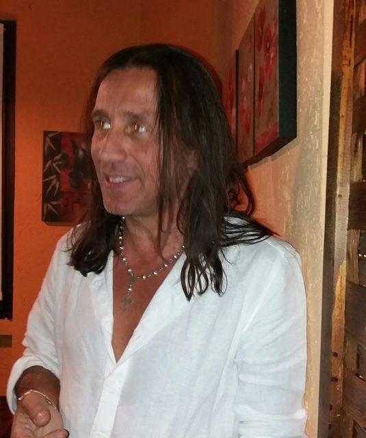 Il 15 dicembre incontro con il cantautore Giuseppe Povia
