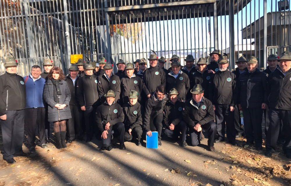 Il coro A.N.A. canta per i carcerati di Via Gleno