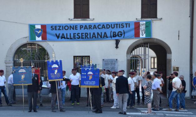 Festa per il 18° anniversario del Monumento al Paracadutista