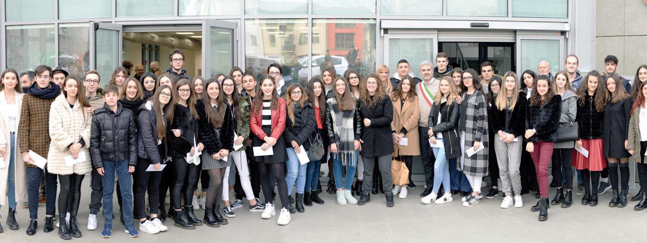 Borse di studio agli studenti meritevoli: 9.000 euro