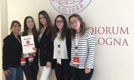 Le ragazze del Liceo Scientifico Lorenzo Federici premiate alle «Romanae Disputationes»
