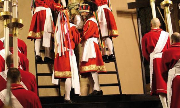 """L'Arcivescovo Emerito di Siena alla """"Processione del Venerdì Santo"""""""