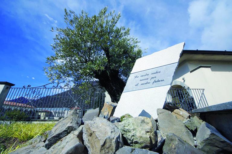 Una stele per ricordare le vittime cenesi da Covid-19