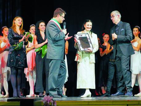 """Albino ricorda Carla Fracci, ospite nel 2017 a """"Sì, danza"""""""
